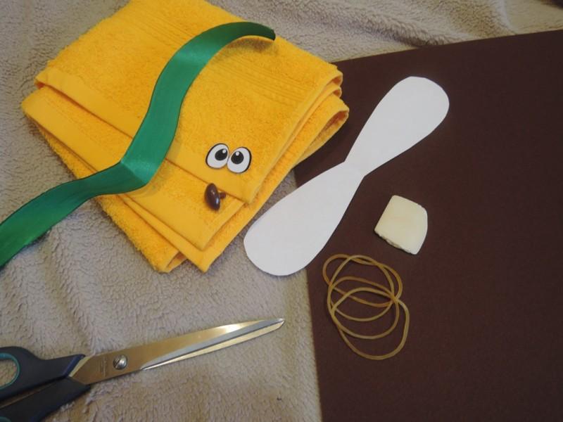 Как сделать мишку из полотенца 23 фото Как пошагово сложить своими руками полотенце в виде медведя Поэтапный мастер-класс для начинающих
